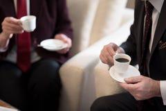 Witte koppen van koffie Royalty-vrije Stock Afbeeldingen