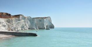 Witte krijtrotsen bij Seaford-Hoofd, Oost-Sussex, het UK Stock Foto