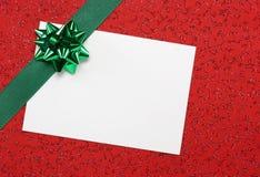 Witte lege nota met groen lint Stock Foto's