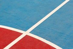 Witte lijn op de kleurenvloer Royalty-vrije Stock Afbeeldingen