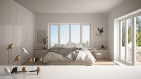 Witte lijstbovenkant of plank met minimalistic vogelornament, vogeltje knick - handigheid over vage eigentijdse slaapkamer met gr royalty-vrije stock afbeeldingen