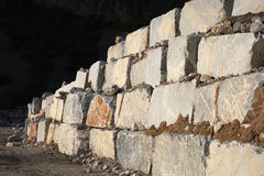 Witte marmeren steengroeve stock afbeeldingen