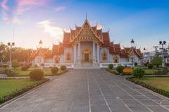 Witte Marmeren tempel, het oriëntatiepunt van Bangkok Thailand stock foto's