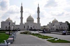 Witte moskee in het dorp van Bulgaars Stock Fotografie