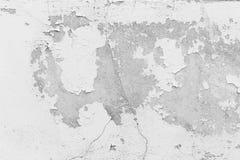 Witte muur, witte muur met barsten voor achtergrond Stock Afbeeldingen