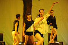 Witte overhemd-2011 dansende het Overlegpartij van de klassengraduatie Stock Fotografie