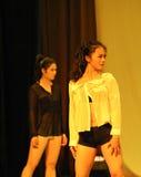 Witte overhemd-2011 dansende het Overlegpartij van de klassengraduatie Royalty-vrije Stock Afbeelding