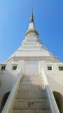 Witte pagode met bulehemel Stock Foto