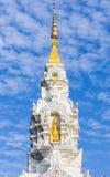 Witte pagode met schoonheidshemel Stock Fotografie
