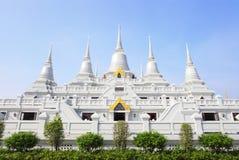 Witte pagodegroep bij Asokaram tempel, Thailand Royalty-vrije Stock Afbeeldingen