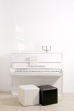 Witte piano Royalty-vrije Stock Afbeelding