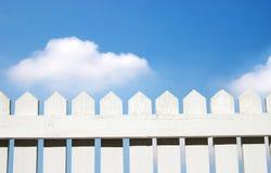 Witte piketomheining Stock Fotografie