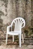 Witte plastic stoel Royalty-vrije Stock Afbeelding