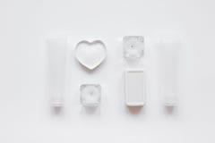 Witte reeks kosmetische room voor kuuroord op de meningsmodel van de lijstbovenkant Royalty-vrije Stock Afbeelding