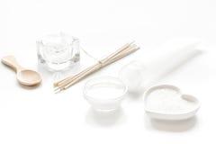 Witte reeks schoonheidsmiddelen voor kuuroord op lijstachtergrond Stock Afbeelding