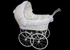 Witte rieten pop of babykinderwagen op een zwarte achtergrond Royalty-vrije Stock Afbeeldingen