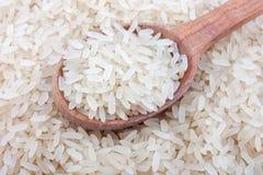 Witte rijst in lepel Stock Afbeeldingen