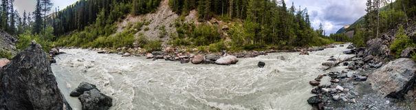 Witte rivier in bergen Royalty-vrije Stock Fotografie