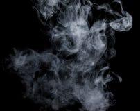 Witte rook op een zwarte achtergrond De wijze van het het schermmengsel Stock Foto's