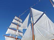 Witte schipzeilen Royalty-vrije Stock Afbeeldingen