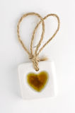 Witte steenmarkering met hartsymbool Royalty-vrije Stock Fotografie