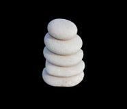 Witte stenen in evenwicht Stock Afbeeldingen