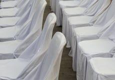 Witte stoelen Stock Foto