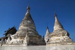Witte stupas Royalty-vrije Stock Fotografie