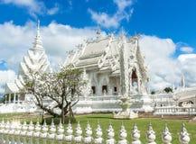Witte tempel in chiangrai stock foto