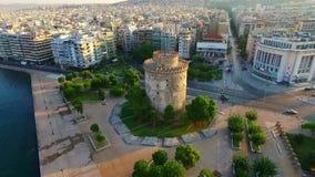 Witte toren in Thessaloniki stock videobeelden