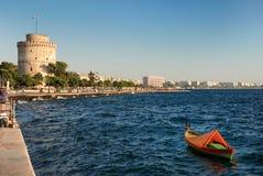 Witte toren in thessaloniki stock foto's