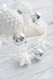 Witte uitstekende Kerstmisballen Stock Afbeelding