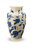 Witte vaas met blauwe bloemen en dalingsschaduw Stock Fotografie
