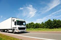 Witte Vrachtwagen stock afbeelding
