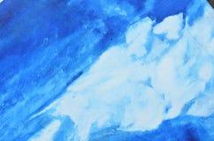 Witte waterverfvlekken op een blauw canvas royalty-vrije stock afbeelding