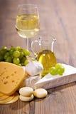 Witte wijn en kaassamenstelling Stock Foto