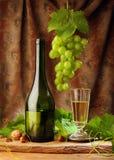 Witte wijn met gordijn Royalty-vrije Stock Afbeelding