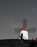 Witte windmolen met rood dak Royalty-vrije Stock Afbeelding