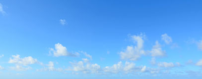 Witte wolken in de hemel royalty-vrije stock afbeelding