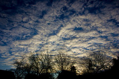 Witte wolken op de blauwe hemel Royalty-vrije Stock Afbeelding