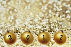 2017 witten sur des boules de Noël Photographie stock libre de droits