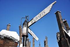 wizarding värld för Harry Potter vägmärke arkivfoton