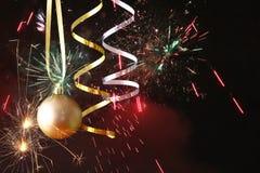 Wizerunek boże narodzenie świąteczna drzewna złocista balowa dekoracja Fotografia Stock