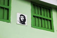 Wizerunek Che Guevara na budynku Hawański obrazy stock
