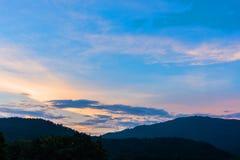 wizerunek góra i zmierzchu niebo Obrazy Royalty Free