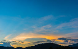 wizerunek góra i zmierzchu niebo Obrazy Stock