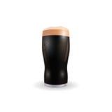 Wizerunek szkło z ciemnym piwem Patrick dzień pojedynczy białe tło ilustracja Obrazy Royalty Free
