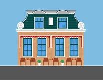 Wizerunek w starym stylu dom miejski z zieleń dachem Zdjęcia Royalty Free