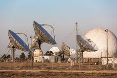 Wizerunek wielka przypowieściowa antena satelitarna zdjęcie royalty free