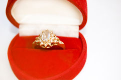wizerunku konceptualny diamentowy złoty pierścionek Fotografia Royalty Free